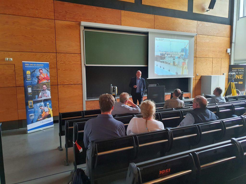 """Prof. Dr. Runne, Institut für Geoinformation und Vermessung Dessau Hochschule Anhalt, Vortrag """"Terrestrisches Laserscanning und BIM"""" _01"""