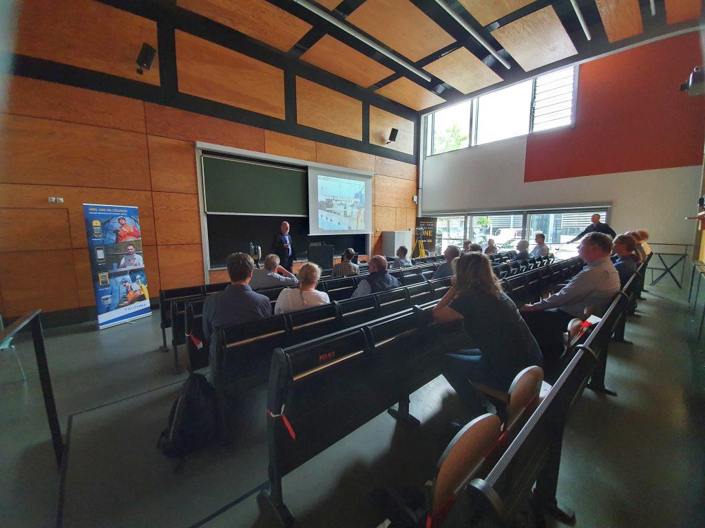 """Prof. Dr. Runne, Institut für Geoinformation und Vermessung Dessau Hochschule Anhalt, Vortrag """"Terrestrisches Laserscanning und BIM""""_02"""