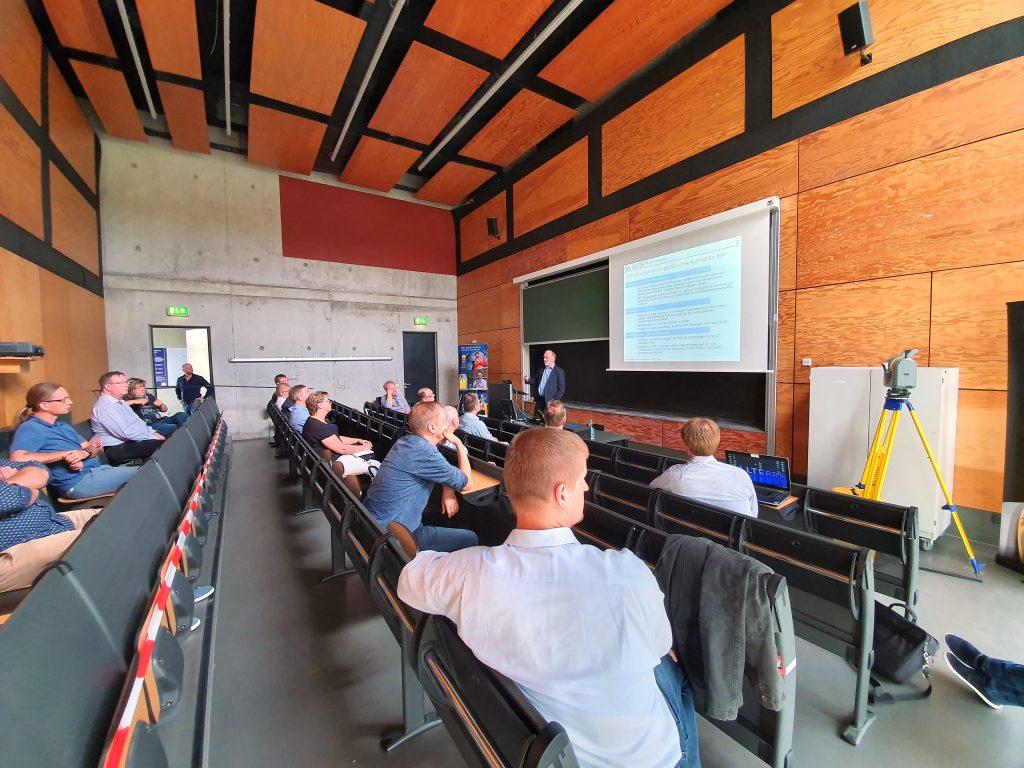 """Prof. Dr. Runne, Institut für Geoinformation und Vermessung Dessau Hochschule Anhalt, Vortrag """"Terrestrisches Laserscanning und BIM""""_04"""