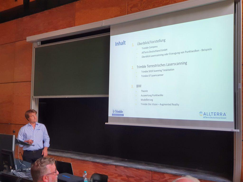 """Thomas Seipt, von der Firma AllTerra Deutschland GmbH, Vortrag """"Terrestrisches Laserscanning und BIM""""_01"""