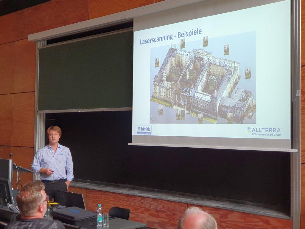 """Thomas Seipt, von der Firma AllTerra Deutschland GmbH, Vortrag """"Terrestrisches Laserscanning und BIM""""_02"""