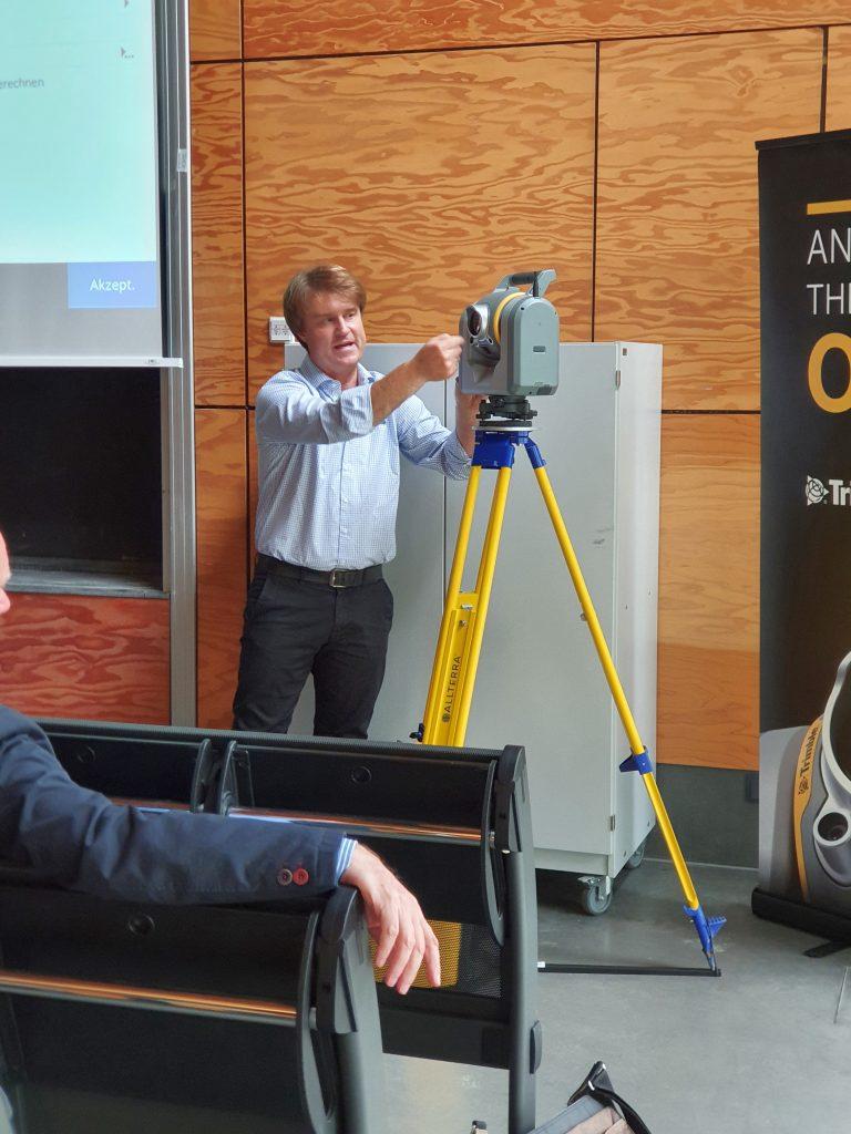 """Thomas Seipt, von der Firma AllTerra Deutschland GmbH, Vortrag """"Terrestrisches Laserscanning und BIM""""_03"""