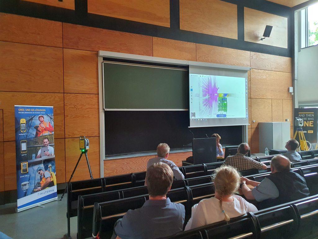 """Thomas Seipt, von der Firma AllTerra Deutschland GmbH, Vortrag """"Terrestrisches Laserscanning und BIM""""_05"""